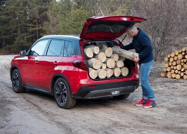 перевозка дров в авто