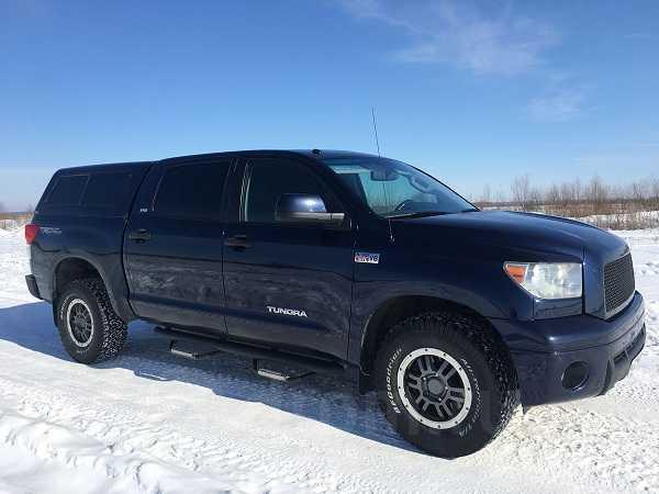 Toyota-Tundra 2010