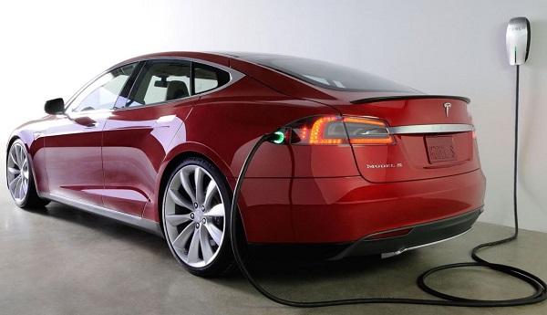 Электромобиль Тесла