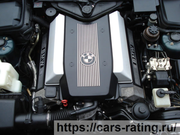 двигатель М60
